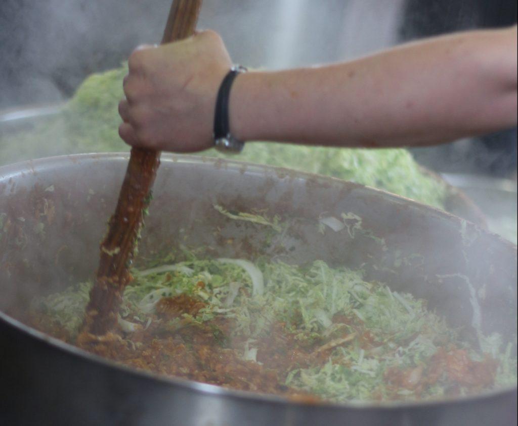 Kochen mit Hot Food Idomeni in Belgrad.