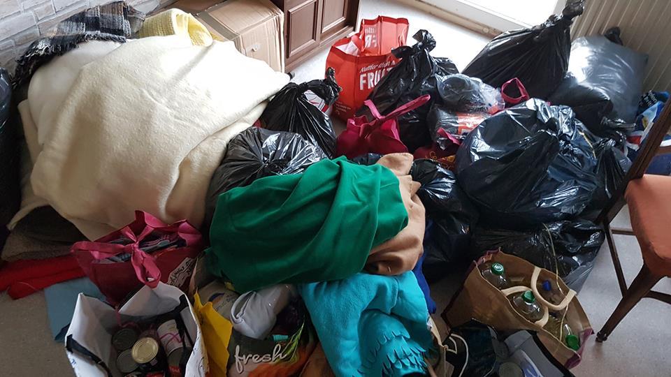In Montmedy haben wir Kleidung und Nahrungsmittel vorbeigebracht.