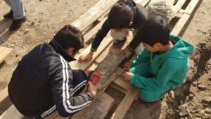 Bei den Arbeiten haben auch die Jüngsten fleißig mit angepackt.