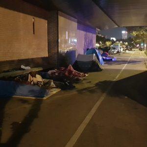 In St. Denis schlafen etwa 100-150 Menschen.